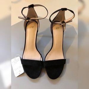 High-heel Shoes 🖤